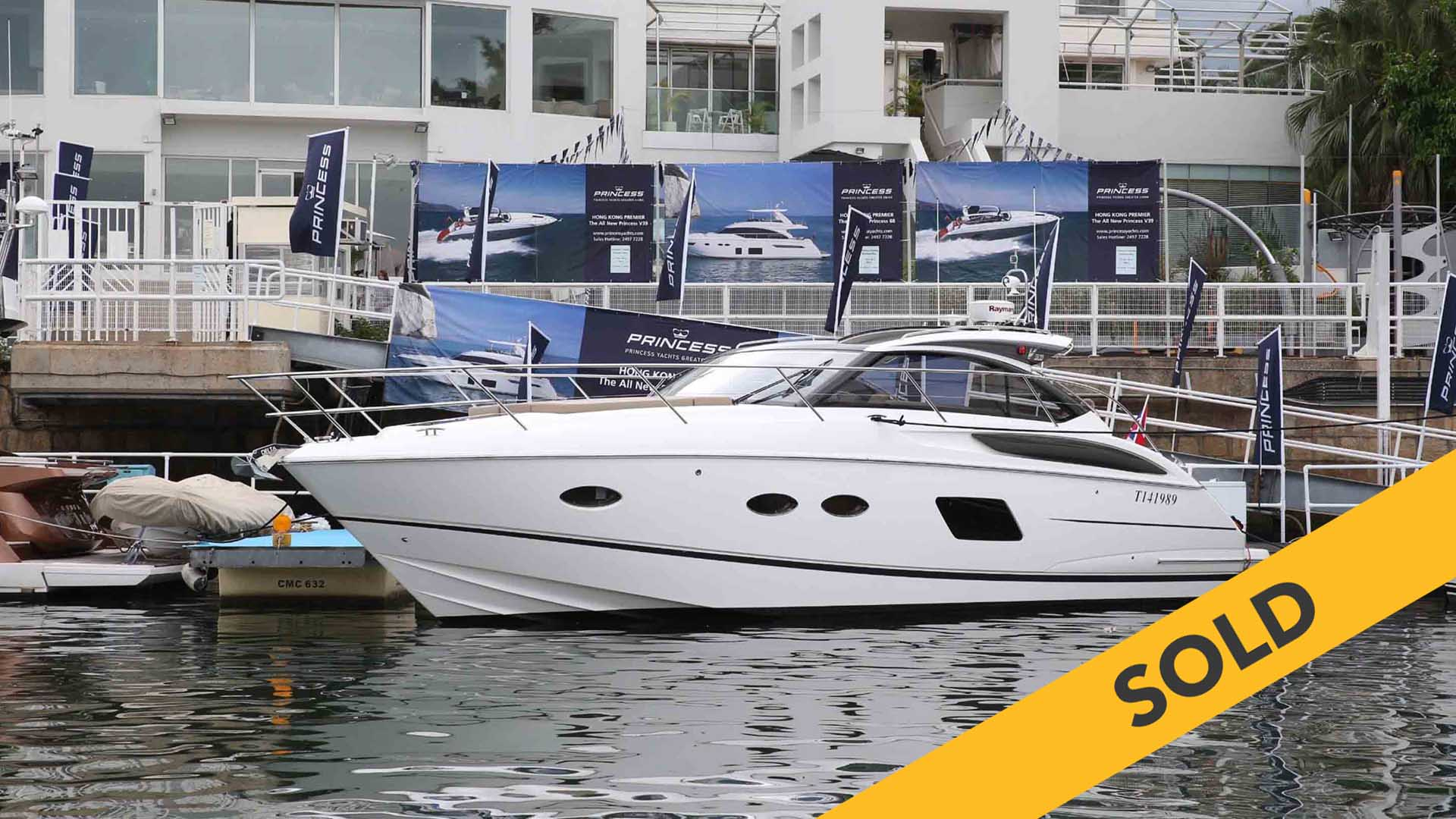 2016 PRINCESS V39 (SOLD)