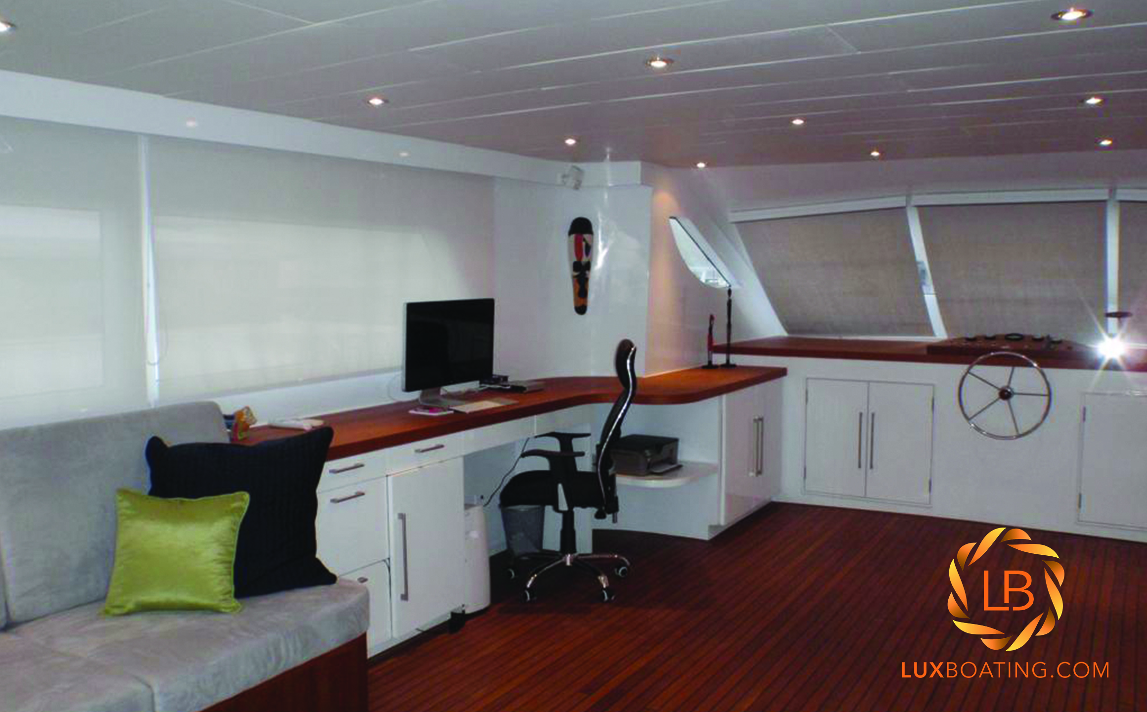 2012 65FT HOUSEBOAT