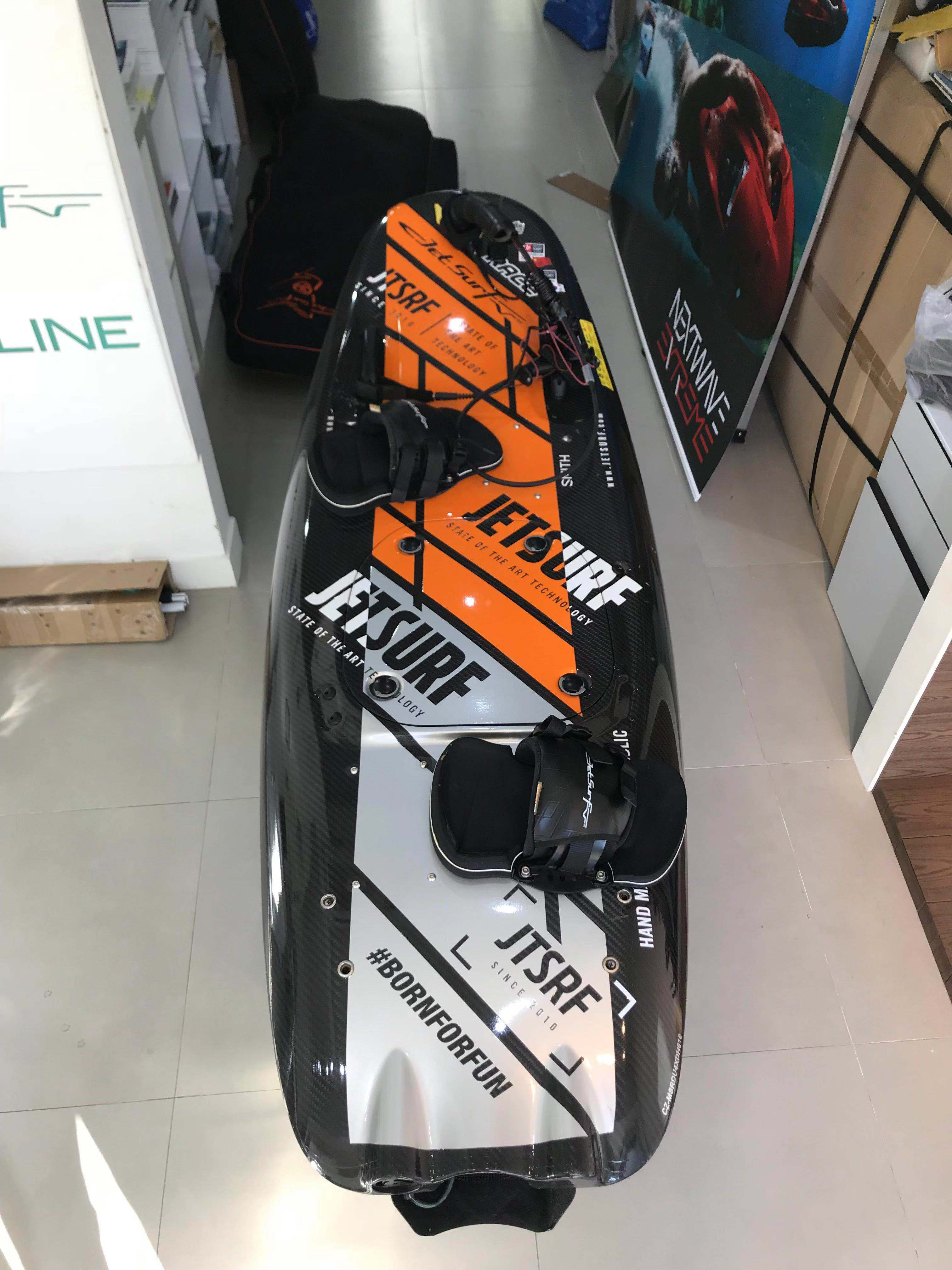 2016 RACE TITANIUM